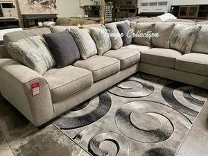 NEW IN THE BOX. U SECTIONAL BIG SIZE WITH PILLOW ,PEWTER, SKU# AB39504XY for Sale in Garden Grove, CA