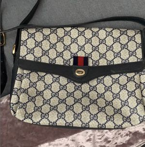 Gucci bag crossbody for Sale in Sacramento, CA