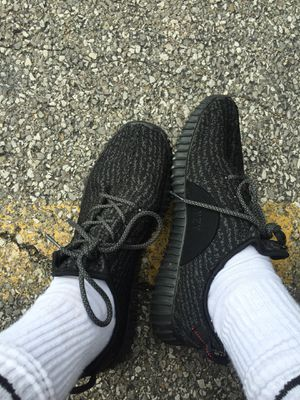 yeezys, Size 11 bought from a friend selling cheap or will trade for ps4 for Sale in Cardington, OH