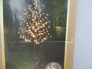 Lightshare LED Blossom Tree 6.5feet Warm Outdoor artificial trees and plants for Sale in Syracuse, UT