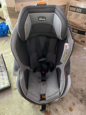 Chicco NextFit Convertible Car seat for Sale in Bellevue, WA