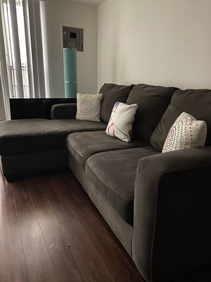Sectional Couch (LIVING SPACES) for Sale in Los Angeles, CA