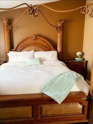 Cal King Monte Carlo bedroom set for Sale in Temecula, CA
