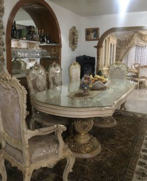 Eight Seat dining table for Sale in Los Angeles, CA
