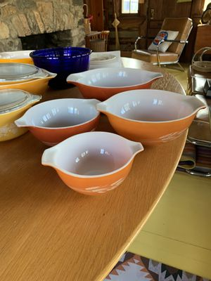 Pyrex bowls and casserole for Sale in Raleigh, NC