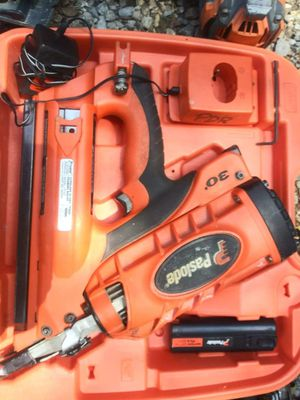 Paslode 16 nailgun ,16 Hitachi nailgun,ridgid trim gun an another trim gun an a ridgid saw for Sale in Dallas, GA