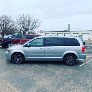 2016 dodge grand caravan r/t leather for Sale in Brook Park, OH