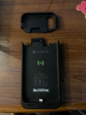 MOPHIE. Battery recharging case for iPhone X for Sale in Fort McDowell, AZ