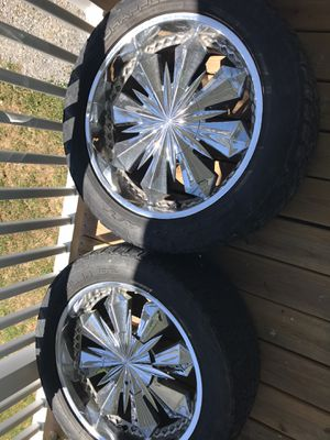 22 inch ferreti rims with 285/50/22 nitto terra grappler tires for Sale in Clarksville, TN
