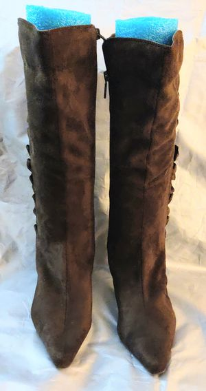 """Boots-Impo ruffled boots 3"""" heels size 8m Chocolate brown for Sale in TN OF TONA, NY"""