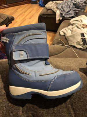 Size 12 girls Lands End Winter boots $5 quickest pick up preferred! Northborough for Sale in Northborough, MA