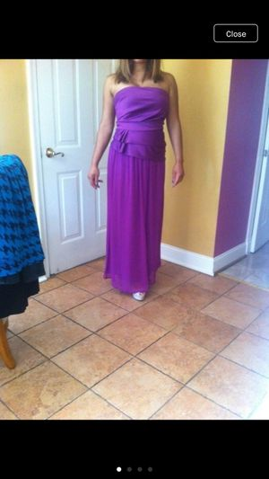 Woman formal dress size medium for Sale in Jessup, MD