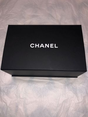 Like New Authentic Chanel Bag for Sale in Quincy, MA