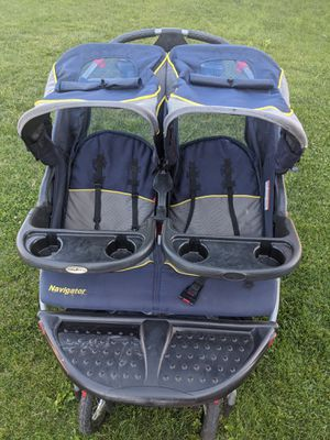 Double jogging stroller for Sale in Lindon, UT