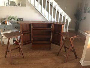 Bar with 2 stools for Sale in Brandon, FL