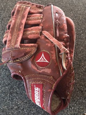 Baseball glove-12 inch for Sale in Sterling Heights, MI