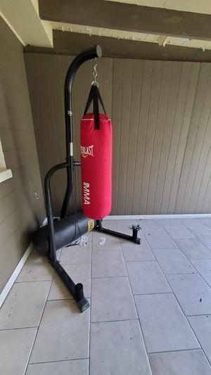 Punching bag Holder with Heavy bag for Sale in Port Richey, FL