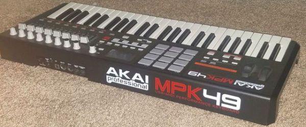 Akai professional mpk49 usb keyboard for music Production