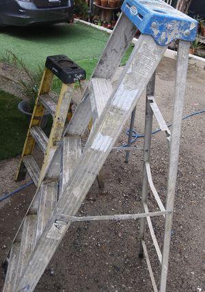 4 ft 6 ft ladder for Sale in Wildomar, CA