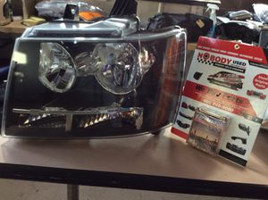 2008,2009,2010,2011,2012,2013 Chevrolet Tahoe/ Suburban Left driver headlight OEM for Sale in Phoenix, AZ