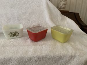 8 piece Pyrex excellent condition for Sale in Columbia, TN