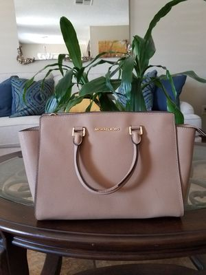 Selma Large Michael Kors for Sale in Calexico, CA