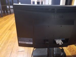 Computer moniters for Sale in Cleveland, OH