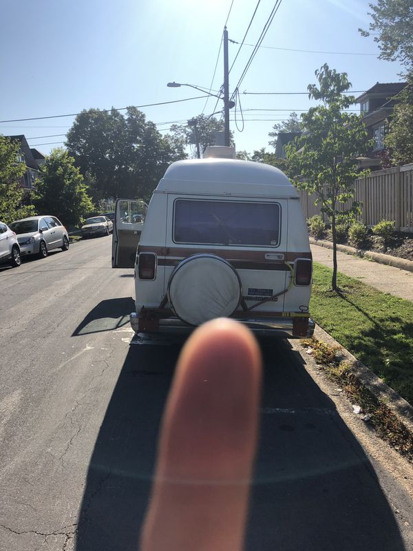 Dodge van ram 1987 only 72960 miles good condition it's an old car need only wipers