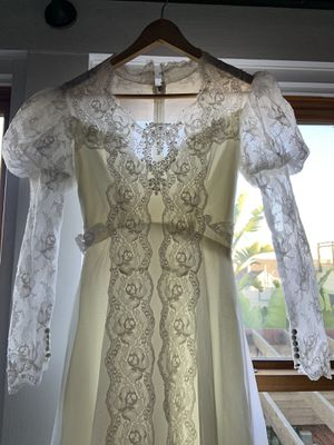 Vintage Victorian style new wedding dress (size 8 wedding) for Sale in San Francisco, CA