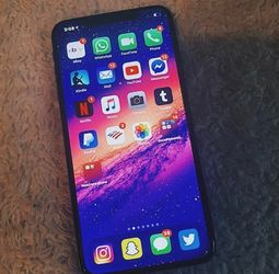 Iphone 11 Pro Max - Excellent Condition for Sale in Louisville,  KY