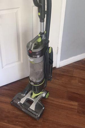 Vacuum- Hoover - Bagless - CLEAN for Sale in Perris, CA