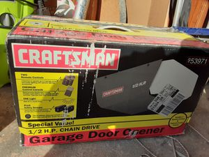 CRAFTSMAN GARAGE DOOR OPENER NEW IN BOX UNOPENED AND NOT USED , NEW IN BOX CHAIN DRIVE, MODEL # 953971 for Sale in Baldwin, NY