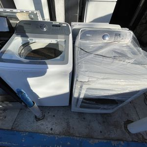 Samsung Washer And Dryer Set For Only $850 for Sale in Santa Ana, CA
