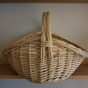 Oval Natural Willow Gathering Basket/New for Sale in Germantown, MD