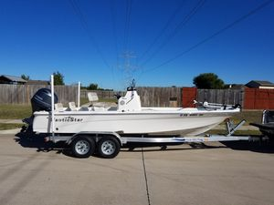 2017 Nautic Star 2140 Sport Center Console for Sale in Arlington, TX