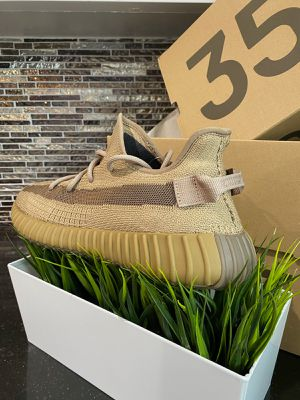 🔥🔥🔥NEW EPIC 9.5 Yeezy's EARTHS!!🔥🔥🔥 for Sale in Los Angeles, CA