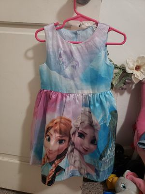 Ana and Elsa dress size 2-5 Y for Sale in Phoenix, AZ