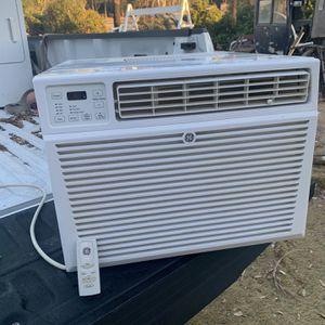 Window Ac Unit W/ Remote for Sale in Riverside, CA