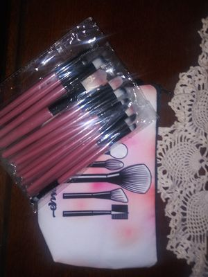 Makeup brushes&bag for Sale in Porter, TX