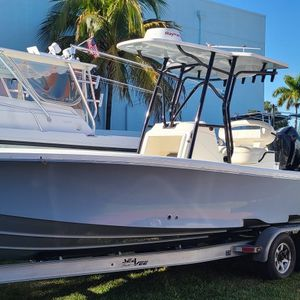 Seavee 27z. Small Portion Of Bottom Damaged for Sale in Miami, FL