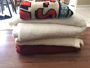 Blankets x4 for Sale in Henderson, NV
