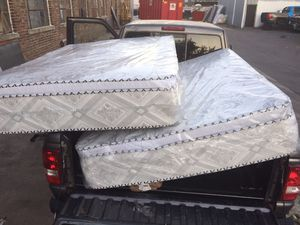 ORTHOPEDIC PILLOW TOP MATTRESS AND BOX SRING for Sale in Cicero, IL