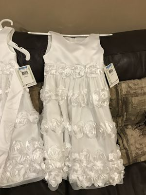 2 Bonnie jean new flower girl dresses for Sale in Chicago, IL