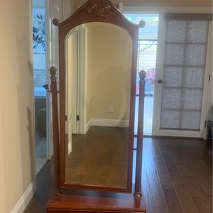Bombay mirror With Drawers for Sale in Los Angeles, CA
