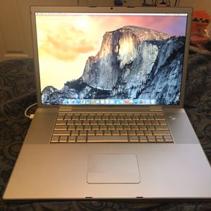 MacBook Pro 17' 4gb Ram 300gb Hdd Full Hd Sceeen for Sale in Stockton, CA