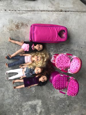 4 original Journey Girls dolls with carrier and salon seats for Sale in Portland, OR