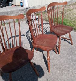 Three Identical Chairs Was Going To Make A Bench Out Of Them But Decided Not To A Little Loose Missing Cross Members But Make Great Craft Chairs for Sale in Newport News,  VA