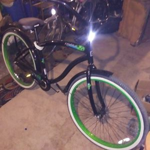 Black And Green Cruiser for Sale in Marysville, WA