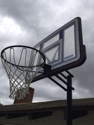 Basketball hoop for Sale in Walnut, CA