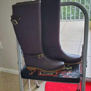 Brown Rainboots for Sale in Pompano Beach, FL